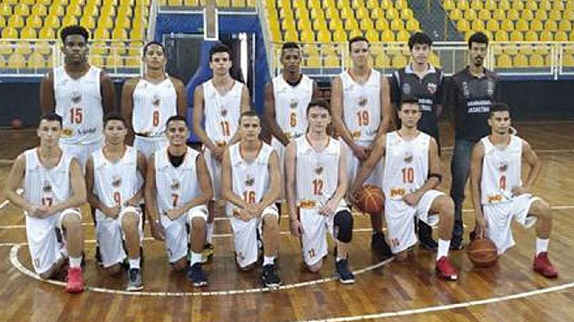 Garotos do basquete venceram no final de semana
